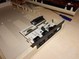 Keyrah w obudowie C64G